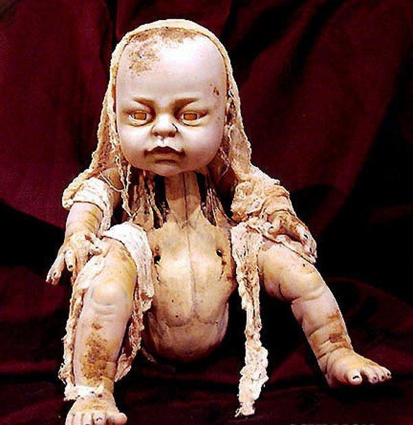 кукла из ужасов