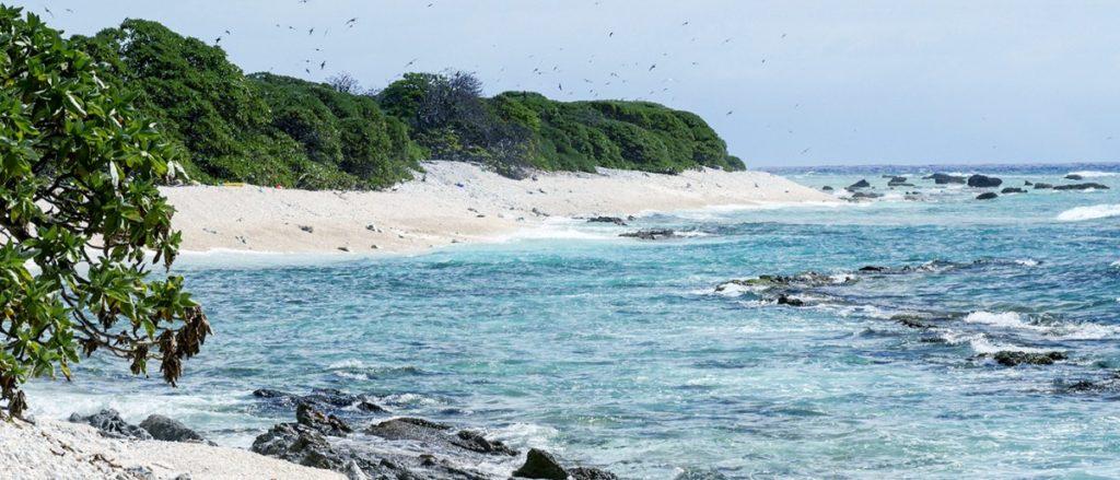 красивый и опасный остров
