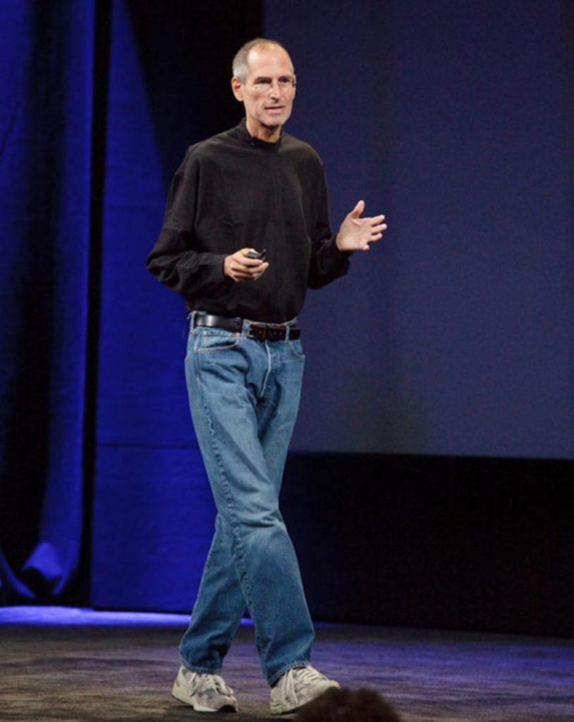 Стив Джобс в водолазке.jpg