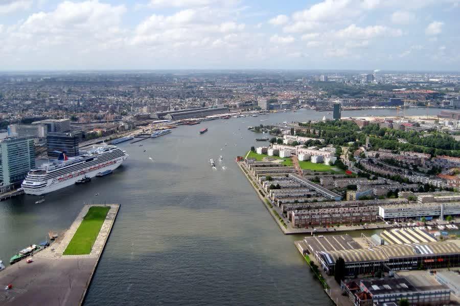 самый большой порт Амстердама