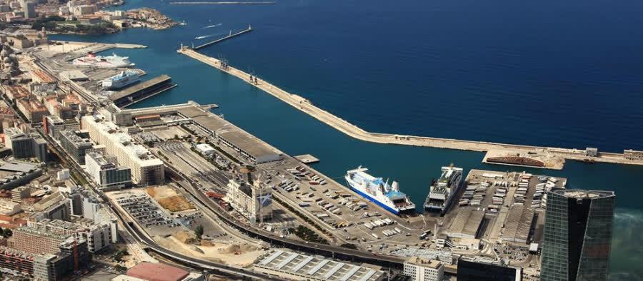 самый крупный порт Марселя