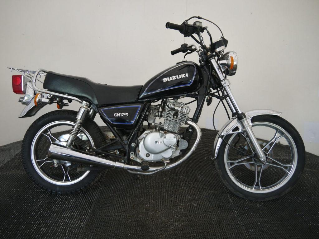 самый дешёвый мотоцикл Suzuki GN 125