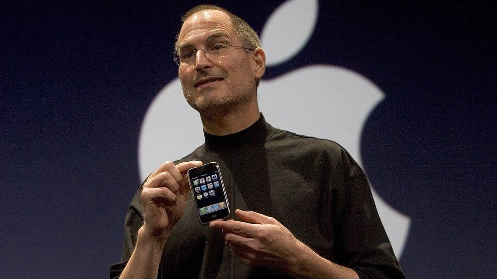 iPhone и Стив Джобс