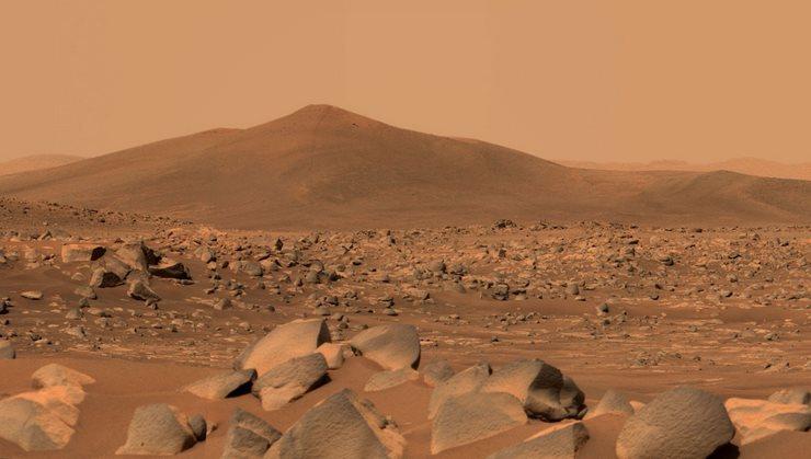 Вид на Санта-Крус на Марсе