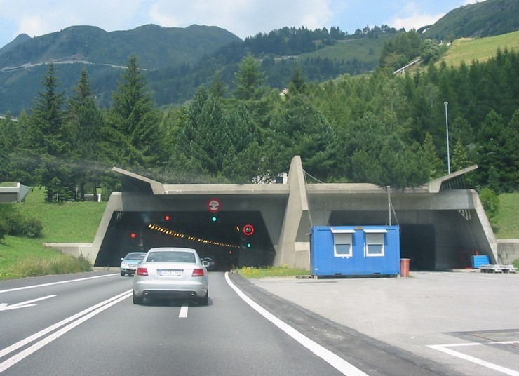 Готардский автотоннель (Швейцария)
