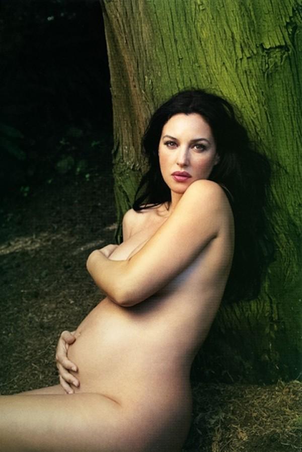 моника беллуччи беременная снимки