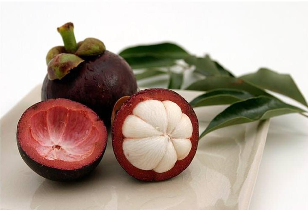 самые вкусные фрукты на земле Мангостин