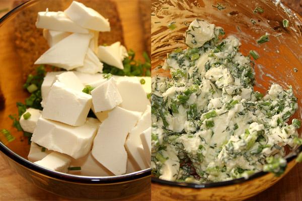 Добавить в зелень сыр (если сыр по консистенции плотный, можно добавить еще 30−50 мл сливок). Размять и перемешать вилкой, а лучше блендером.