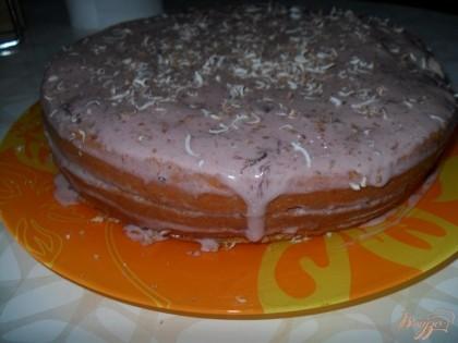 формируем торт. сверху посыпаем тертым шоколадом