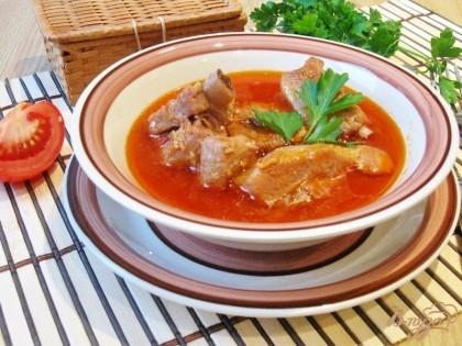Готово! Свиные ребрышки в кисло-сладком соусе готовы. Подаем на обед или ужин с любым гарниром или просто со свежим хлебом.