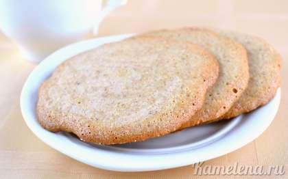 Важно не пересушить печенье в духовке, как только печенье по краям слегка потемнеет, значит готово. Готовое миндальное печенье полностью остудить. Хранить печенье обязательно в пакете, что бы оно оставалось мягким и тягучим.
