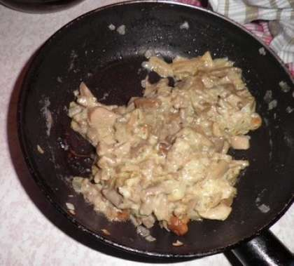 Обжарить грибы на сковороде
