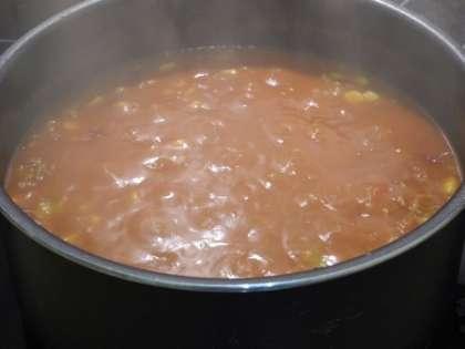 Все ингредиенты тщательно перемешать.Тушить на среднем огне при закрытой крышке 30 минут