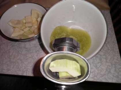 Провернуть лимон через мясорубку