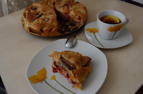 Чашечка горячего чая с лимоном подчеркнет вкус и аромат этого замечательного пирога )