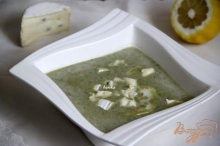 Суп-пюре со шпинатом и голубым сыром