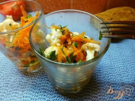 Салат из сырой цветной капусты с морковью и уксусом