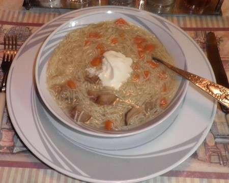 Суп с грибами и лапшой