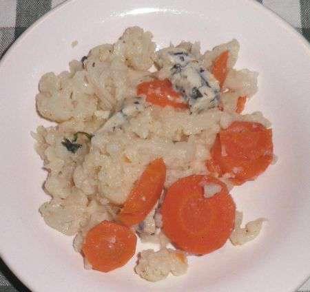 Цветная капуста с морковью и сыром