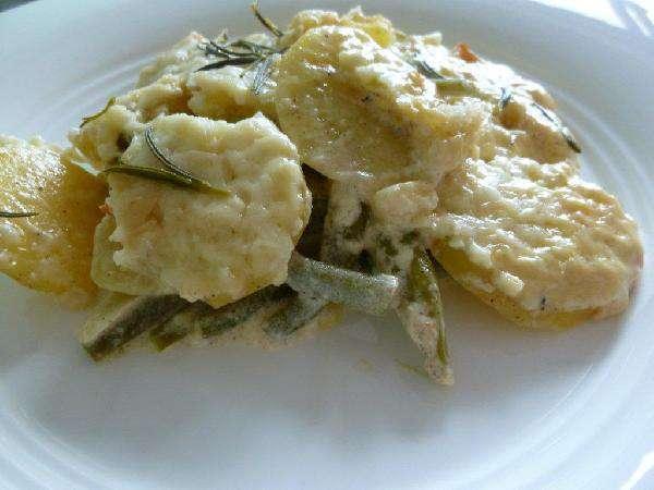 Картофель, запеченный с фасолью