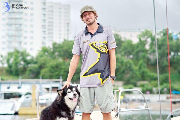 Ларс Зика: «Шёл один на яхте через 12 штормов подряд»