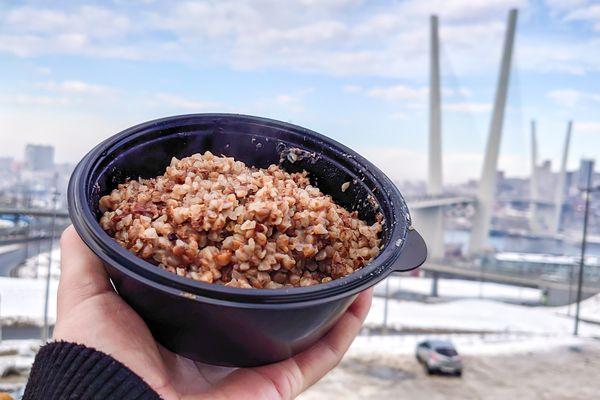 Чрезвычайное меню: чем кормят жителей ледяного Владивостока