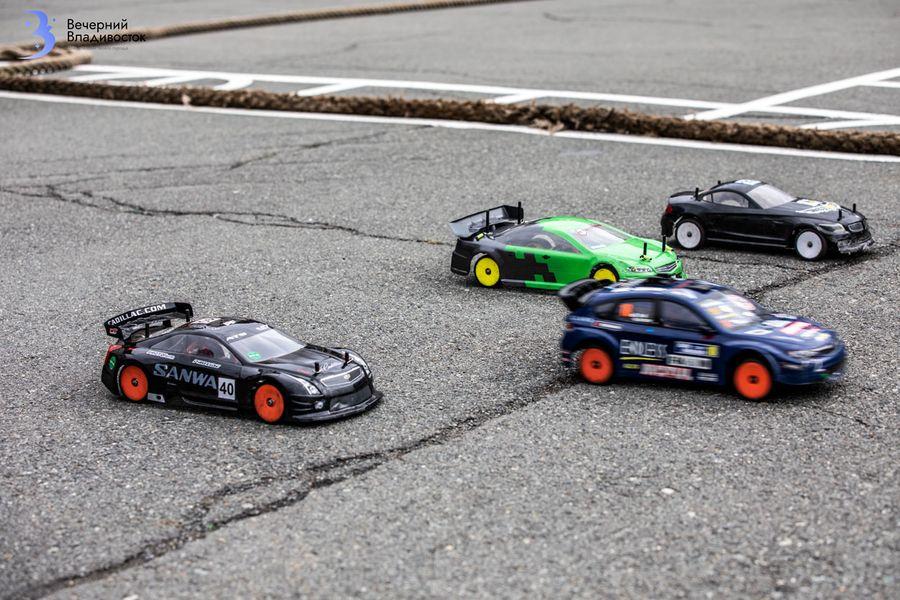 «Драйв как на больших гонках»: во Владивостоке возрождается автомодельный спорт