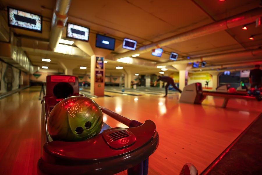 Выбей свой страйк: где поиграть в боулинг во Владивостоке