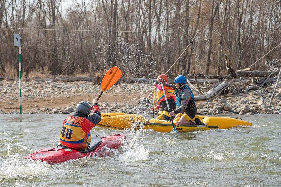 Пейнтбол и китайская гонка: сезон сплавов по рекам открыт