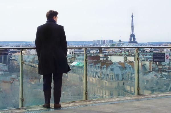 Чем может обернуться обед, если его заказали владивостокцы в Париже