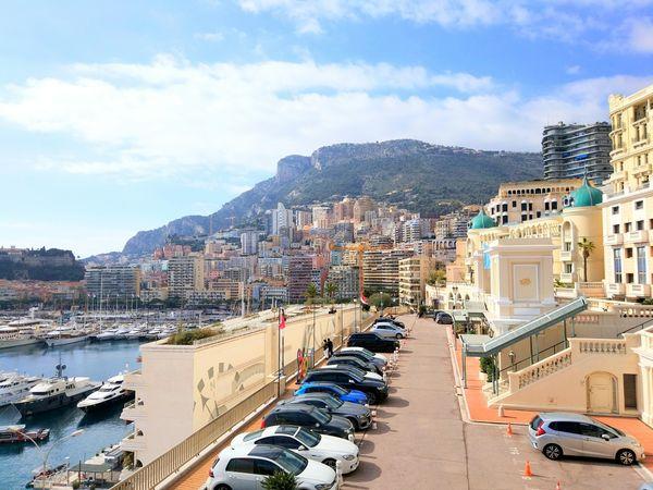 Чехов, Достоевский, Гончаров: как грамотно флиртовать с мужчинами в Монако