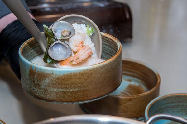 Дальневосточные изыски: суп с корбикулой и строганина из мяса оленя