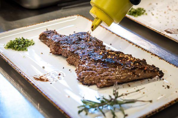 Не просто мясо: стейки – традиции, проверенные временем