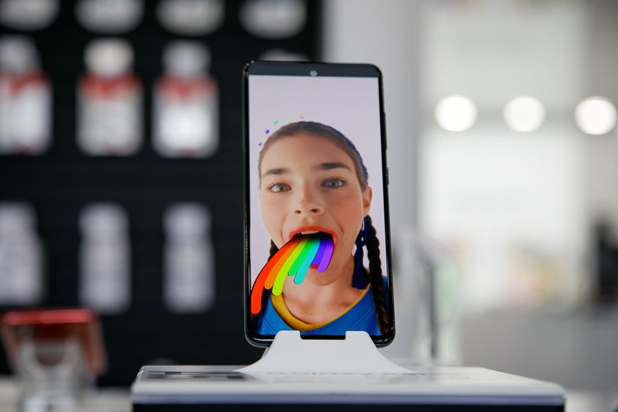 Новые «фантомы» Samsung: игра на опережение