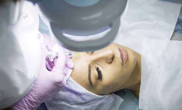 Уколы красоты: рассказываем об инъекционной косметологии