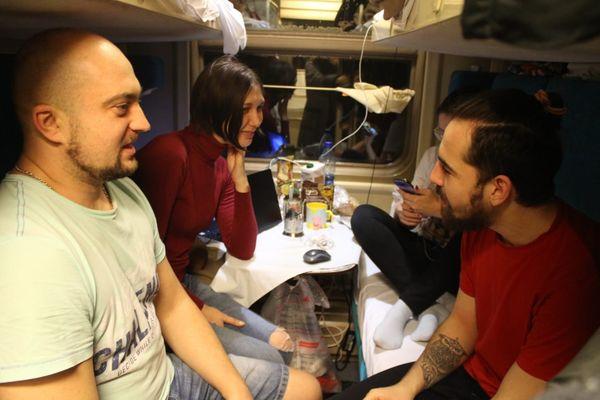 Владивосток-Москва и обратно: кого мы повстречали в поезде
