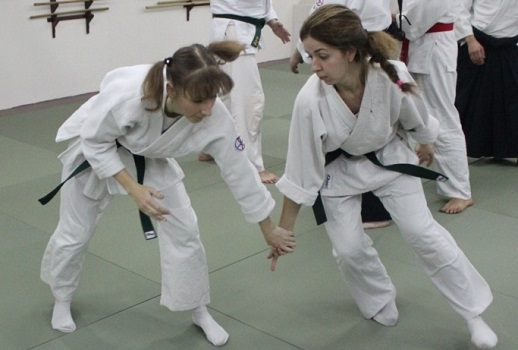 Айкидо подходит для девушек - позволит защитить себя в любой ситуации