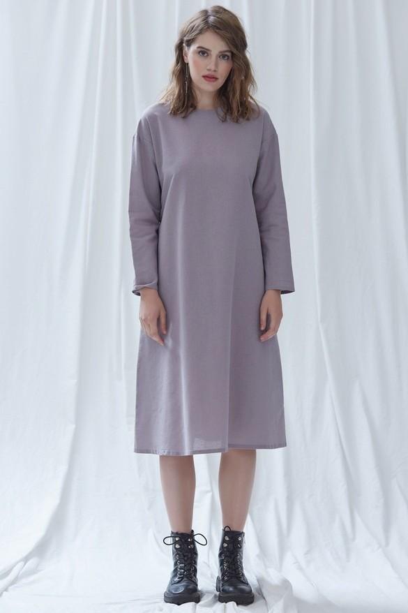 Платье-трапецияПлатье трапецевидной формы подойдёт и на каждый день, и для особого случая. В комплекте также идёт пояс, позволяющий подчеркнуть талию и создать более деликатный образ. (нет редактора)