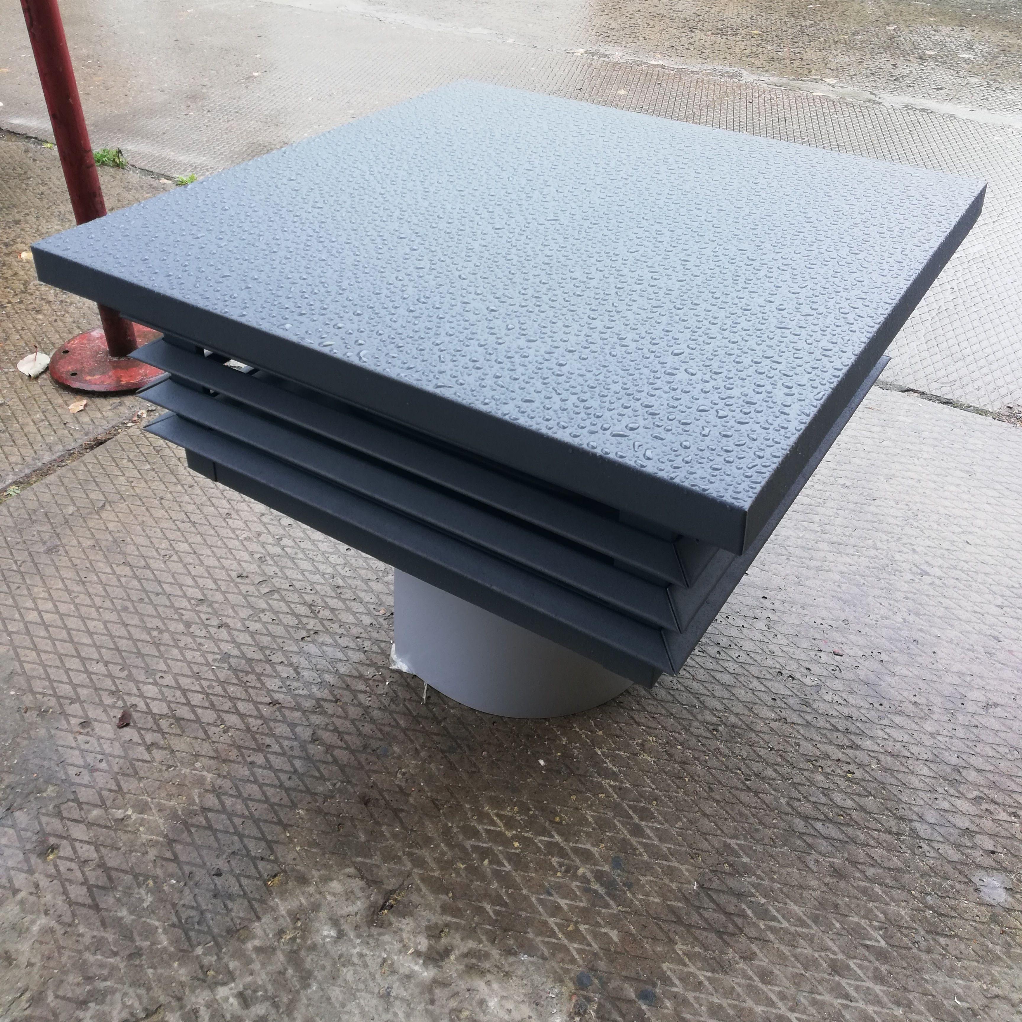 Зонт с системой невидимого крепежа для камина. Отражатель изготовлен из нержавеющей стали.