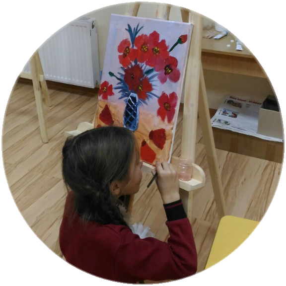 Живопись дает массу приятных ощущений, а результат воодушевляет.Вы можете почувсвать себя художником на постеив наш мастер-класс.