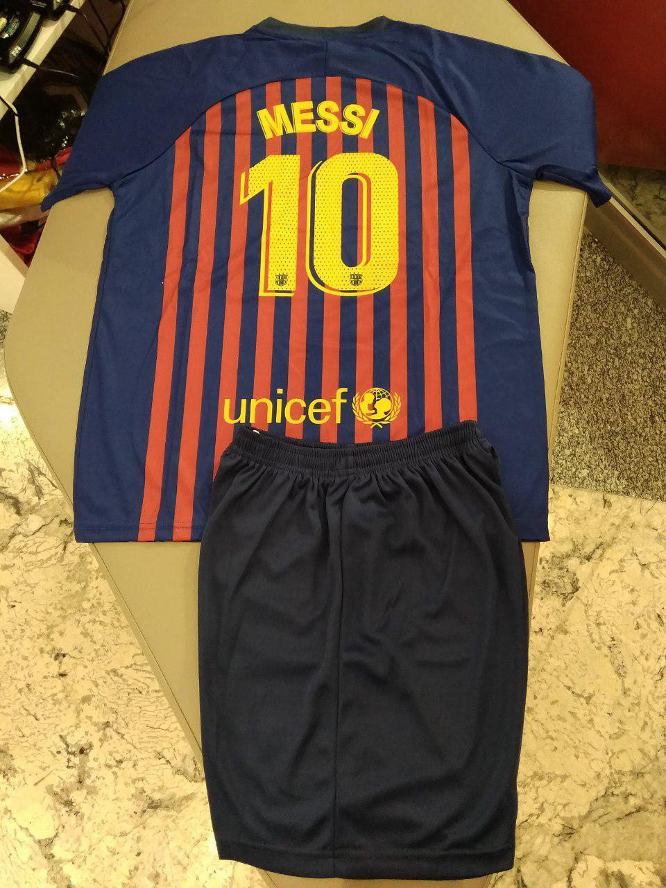 Детская футбольная формаБарселона,МессиДетские: от 2 до 6 летПодростковые: от 6 до 14 летВзрослые: S, M, L, XL. XXLФутболка, шортыВ наличии1190руб.