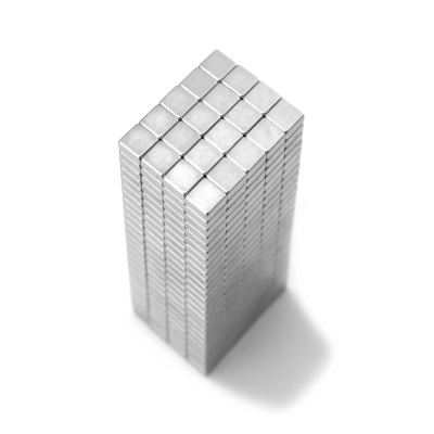 Малые магнитные призмыМаленькие прямоугольные и квадратные магниты, с длинной стороны до 30 мм, силой до 25 кг