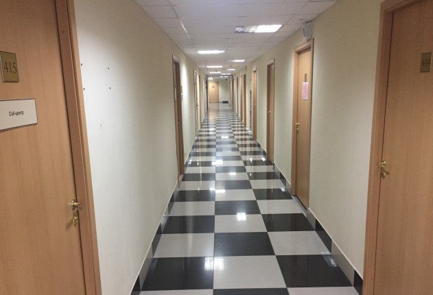 Продается офисное помещение в бизнес-центре класса А в центре города. Пятый год арендатором помещения является сеть медицинских клиник «Персона». Договор аренды долгосрочный, с возможностью увеличения аренды один раз в год. Площадь 53,1 кв.м. Цена: 4,5 (млн.руб.) ☎ Звоните (9-19ч): 8-915-495-04-56