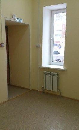 Продаю офис 142 кв.м., помещение с ремонтом на первом этаже нового дома на набережной Волги в г. Новочебоксарск, с отдельным входом, состоящее из 5 отдельных комнат площадью от 15-25 кв.м. Удобный подъезд, парковка. торг Цена: 5,7 (млн.руб.) ☎ Звоните (9-19ч): 8-915-495-04-56