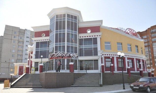 Продажа торгового помещения (486 кв.м) в г. Новочебоксарск. Продаю торговое помещение, расположенное на 2-м этаже ТЦ Арена. Рядом современный жилой массив.Имеется парковка на 40 машино-мест. Помещение и соответствующая ему доля земли - в собственности. Цена: 20 (млн.руб.) ☎ Звоните (9-19ч): 8-915-495-04-56