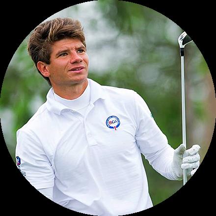 Никита ПономаревУчастник профессионального Pro Golf Tour (EPD) тура, 3-х кратный Победитель Кубка России.Подробнее