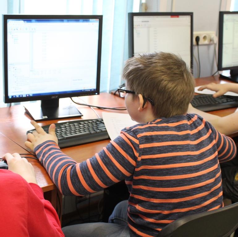 ПРОГРАММИРОВАНИЕ - 2 часа в неделю, 10 занятий (Изучение языка программирования Си для микроконтроллеров PIC и AVR1)