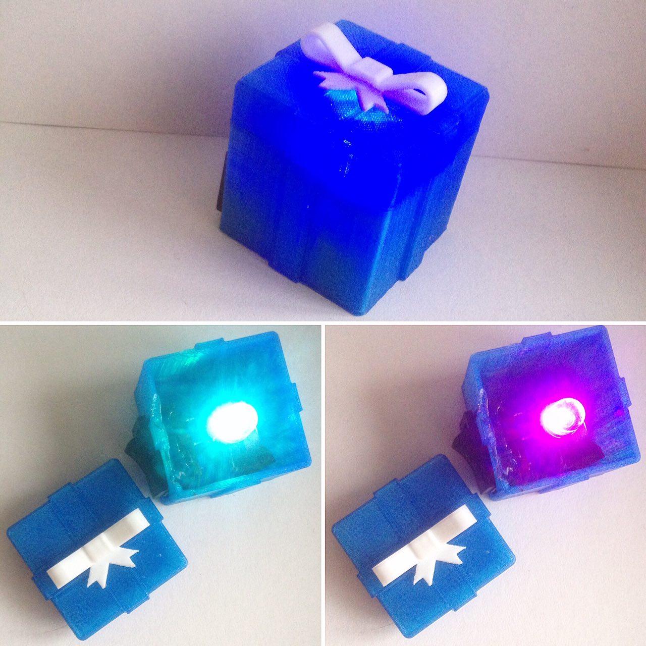 Игрушка с подсветкой  Распечатанный на 3D принтере сувенир оснащается безопасной электрической схемой с подсветкой