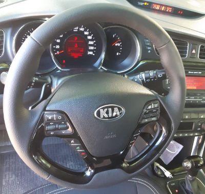 Kia CeedПеретяжка руля натуральной кожей, руль с подогревом+покраска пластика цена7000