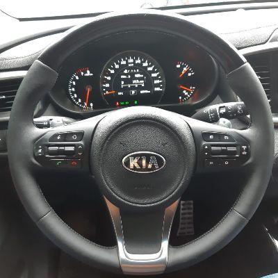 Перетяжка руля Kia Sorento Primeкачественной автомобильной экокожей Наппа с 5-ти летней гарантиейРуль с подогревом и декоративной вставкой, цена5500